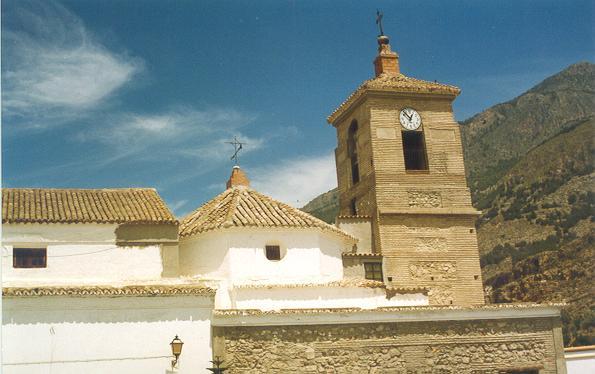 La Iglesia de Celín tiene en mal estado el techo de la sacristía.