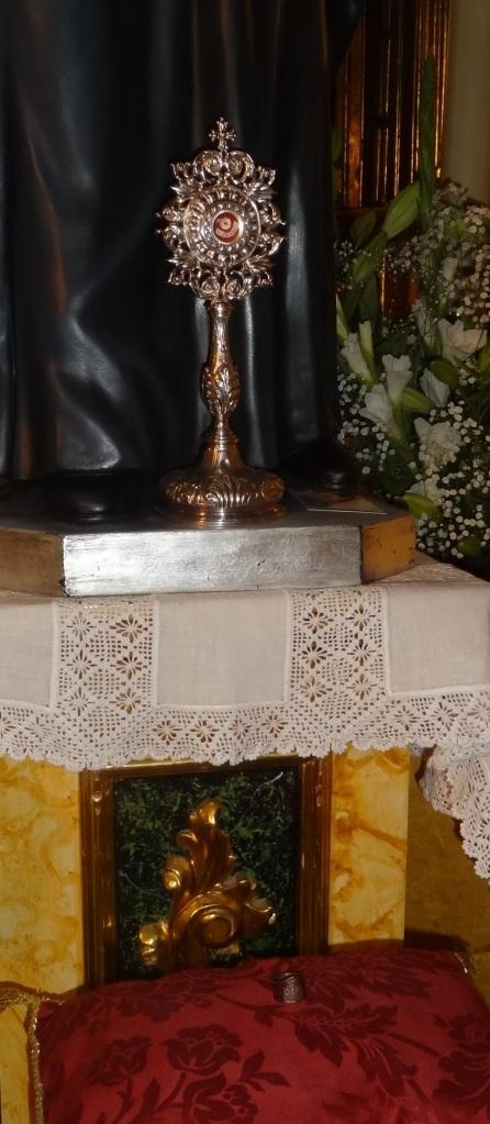 reliquia y anillo