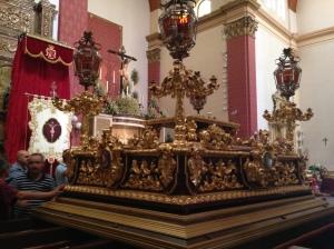 El trono ya está sobre las andas!!! (sábado, 13:00h)