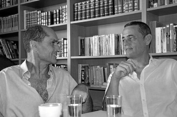 Los poetas andaluces Pepe Criado y Antonio Carbonell.